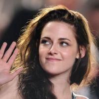 Kristen Stewart : Robert Pattinson a fait un bout de route avec elle sur les marches ! (PHOTOS)