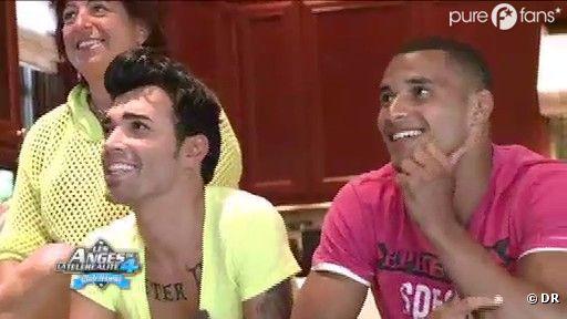 Bruno et Mohamed éprouvent beaucoup d'émotions et de joie en regardant le clip 'Be Mine'
