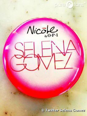 Selena Gomez va sortir un vernis à ongles !