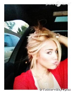 Miley Cyrus devient blonde !