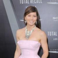 Jessica Biel : la vie en rose sur le tapis rouge, mais pas dans le privé ? (PHOTOS)