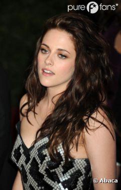 Kristen Stewart en panique avant le passage de Rob' dans le Daily Show !