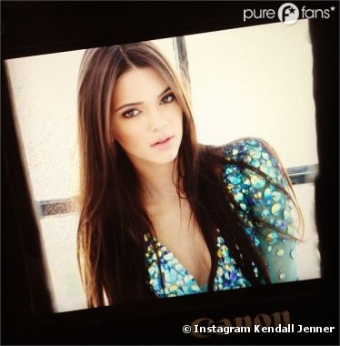 Kendall Jenner fête son million de fans Facebook !