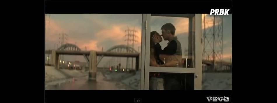 Conor Maynard se la joue lover dans Turn Around