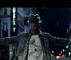 Ne-Yo vient prêter main forte à son poulain Conor Maynard dans le clip Turn Around