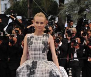 Diane Kruger, prisonnière de sa magnifique robe Dior