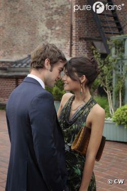 Nate et sa nouvelle girlfriend dans l'épisode 2 de la saison 6 de Gossip Girl