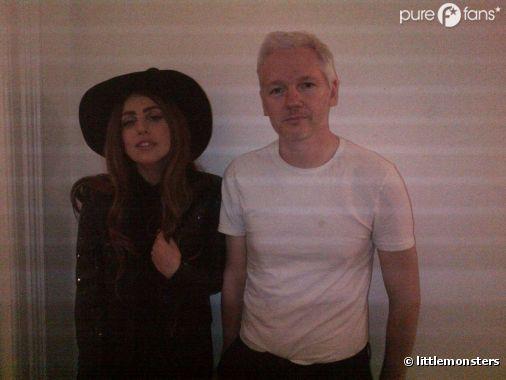 Lady Gaga et Julian Assange posent ensemble à Londres