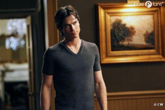 Damon se sent seul dans Vampire Diaries !
