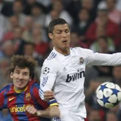 Cristiano Ronaldo met Lionel Messi K.O...sur Facebook