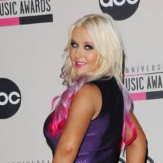 Christina Aguilera naturiste ou exhib ? Elle ne met rien sous ses jupes...