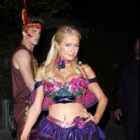 Paris Hilton en fée interdite aux moins de 16 ans pour Halloween (PHOTOS)