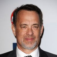 Tom Hanks joue Walt Disney et adopte la moustache ! (PHOTO)