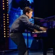 La France a un incroyable talent 2012 : Raffie le jeune prodige enflamme le plateau ! (VIDEO)