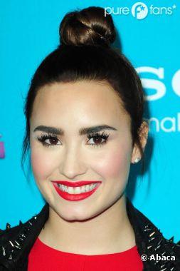 Demi Lovato : Clashée pour ses sourcils trop épais