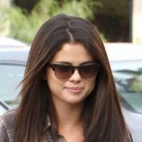 Selena Gomez : Stylée et décontractée pour une virée entre copines ! (PHOTOS)