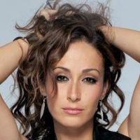 Kenza Farah VS Léa Castel : grosse bagarre entre les deux chanteuses ? Nouveau clash qui fait le buzz !