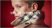 Victoria Beckham : son fils Romeo pose pour Burberry