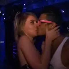 Les Marseillais à Miami : Julien et Julia, les deux ennemis, s'embrassent ! (VIDEO)