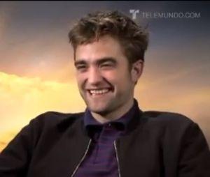 Robert Pattinson aime les grosses fesses !
