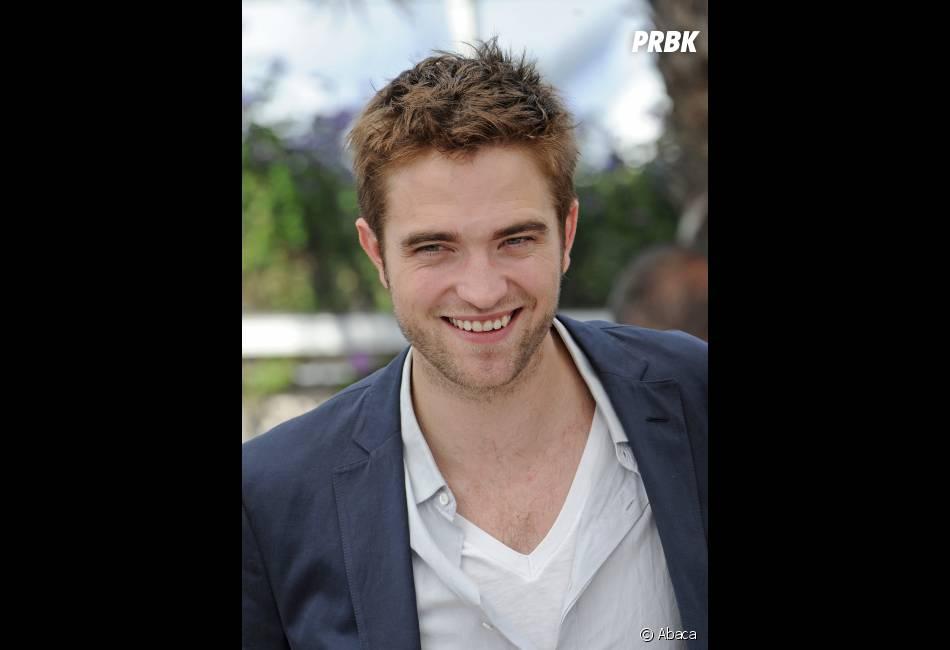 Robert Pattinson n'a pas besoin de filles aux formes généreuses pour le faire craquer !