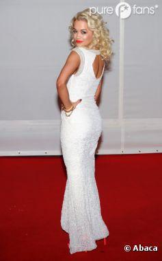 Rita Ora a tweetclashé une pseudo-star sur Twitter !