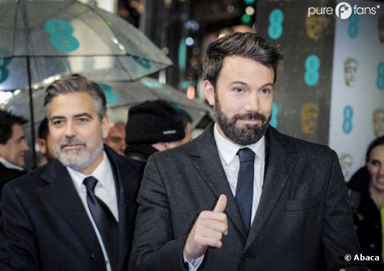 Ben Affleck n'a pas peur de la pluie aux BAFTA 2013