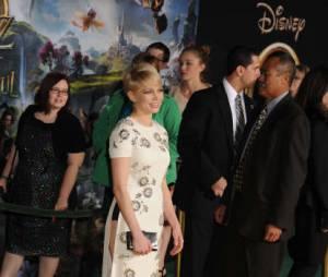 Michelle Williams s'est lâché pendant l'avant-première hollyoodienne du Fantastique monde d'Oz