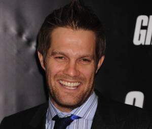 Geoff Stults va jouer dans la série Enlisted sur FOX