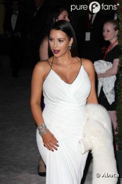 Kim Kardashian a été hopsitalisée d'urgence suite à des maux de ventre.