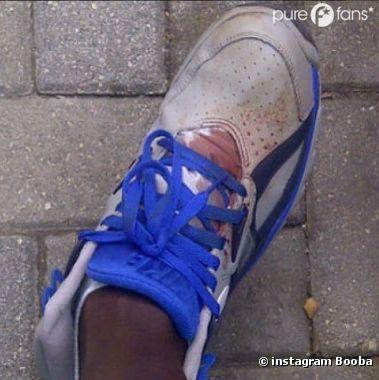 La chaussure ensanglantée de Booba relance le clash avec La Fouine