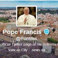 Pape François : déjà 4 millions de followers pour seulement... 3 tweets