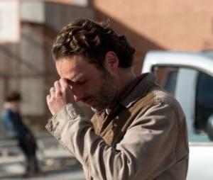 Rick fait ses prières dans The Walking Dead