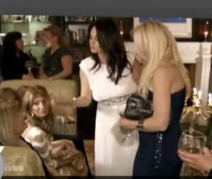 Natalie essaie de convaincre ses invités