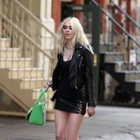Taylor Momsen : soutif apparent et jambes interminables pour son prochain clip