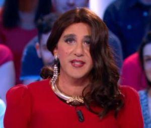 Elie Semoun a fait le show sur le plateau du Grand Journal en présentant la météo sous les traits de Valérie Bonasse.