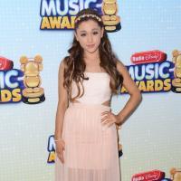 Selena Gomez, Cher Lloyd, Zendaya Coleman : tapis rouge sexy trash aux Radio Disney Music Awards