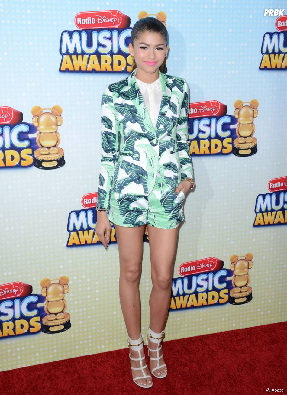 Zendaya Coleman, la star de Disney Channel, en micro-short aux Radio Disney Music Awards