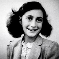 """Etats-Unis : le Journal d'Anne Frank jugé """"pornographique"""""""