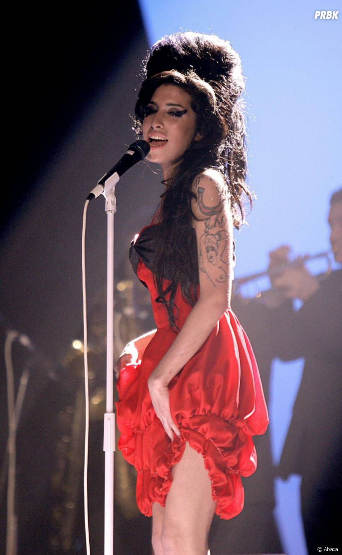 Amy Winehouse a essayé de se suicider dans sa jeunesse