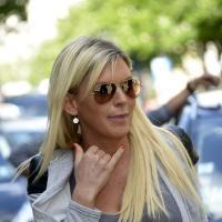 """Les Anges de la télé-réalité 5 : Amélie Neten en mode """"Nan mais allô quoi"""" pendant une virée shopping à Paris"""