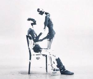 Love Somebody, le clip de Maroon 5 avec Adam Levine dégoulinant de peinture