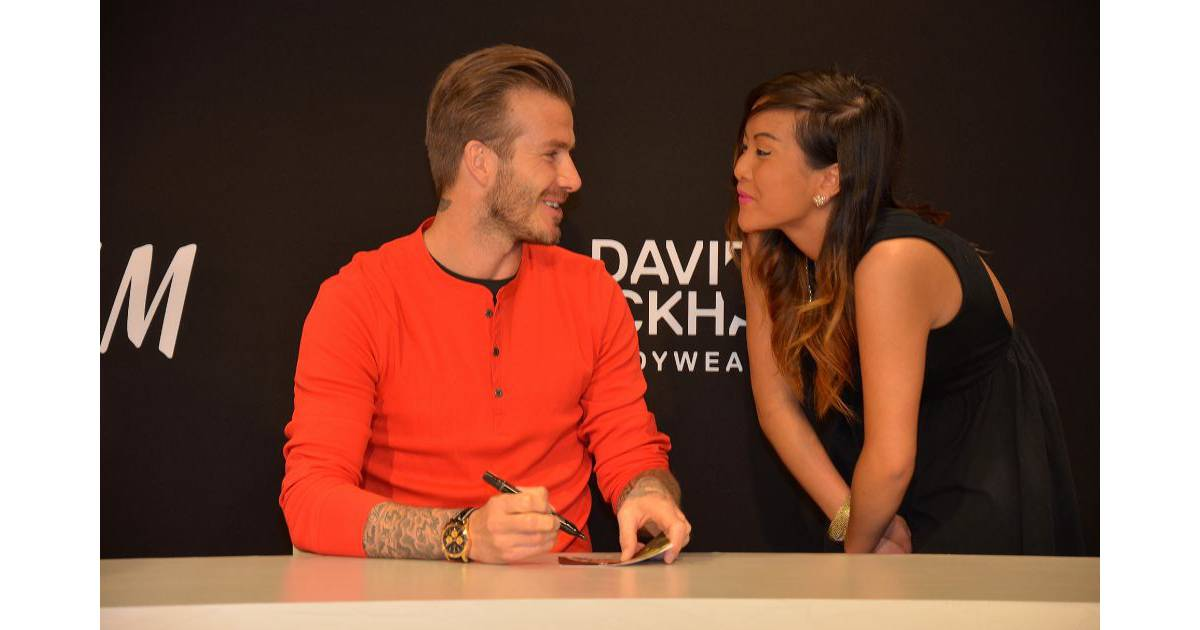 david beckham paris hyst rie devant la boutique h m. Black Bedroom Furniture Sets. Home Design Ideas