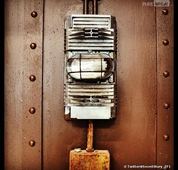 Nouvelle photo et nouveau indice de Secret Story 7 : le fameux ascenseur.