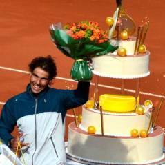 Rafael Nadal : gros gâteau d'anniversaire 100% tennis à Roland Garros 2013