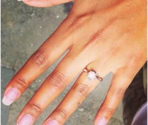 Fanny Neguesha : sa bague de fiançailles offerte par Mario Balotelli dévoilée sur Instagram