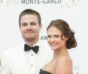 Stephen Amell et sa femme à la cérémonie de clôture du Festival de télévision de Monte Carlo 2013