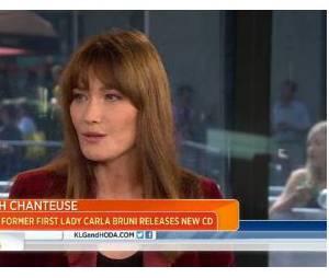 Carla Bruni-Sarkozy défend François Hollande sur NBC