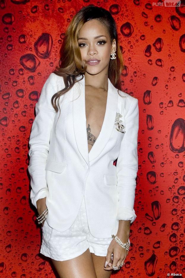 Rihanna aurait été rappelé à l'ordre par sa maison de disque