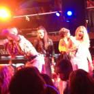 """Popstars 2013 : Premier showcase """"Au top"""" pour le groupe gagnant The Mess"""